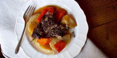 beef roast with root vegetables beef pot roast with root vegetables the beachbody