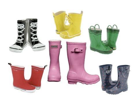 Sepatu Boot Banjir bergaya dengan sepatu boot the blognesian