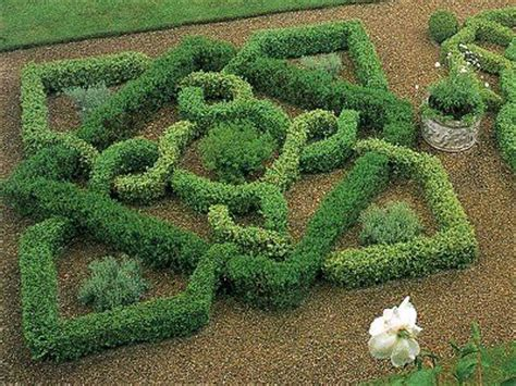 how to make an herbal knot garden how tos diy how to make an herbal knot garden jardins nœuds
