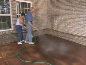 Diy Stained Concrete Patio How To Apply Concrete Stain How Tos Diy