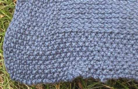 finger knitting blanket finger knit a blanket fingers blankets and knits
