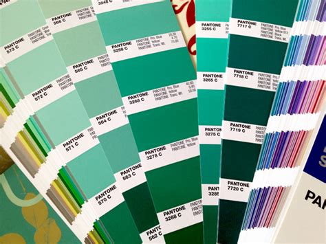 color of the year 2013 pantone colour of the year 2013 pantone 17 5641 emerald
