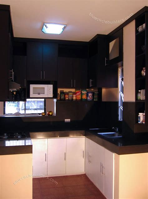 space decorating ideas  small kitchens cabinets