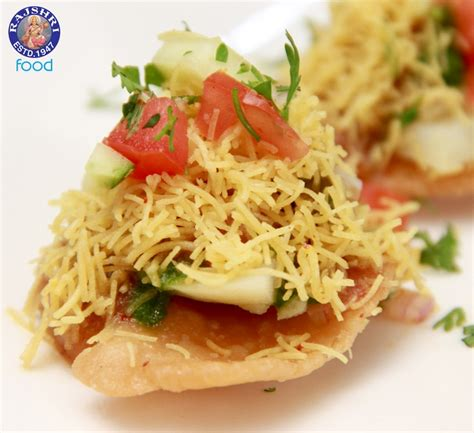 sev puri indian canape vegetarian fast food recipe