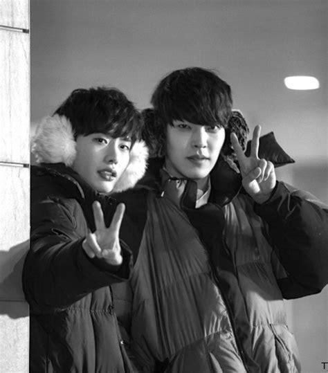 film korea lee jong suk dan kim woo bin 11 things you probably didn t know about twenty s kim woo bin