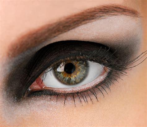 imagenes ojos hundidos maquillaje de ojos sensual paso a paso maquillaje de noche