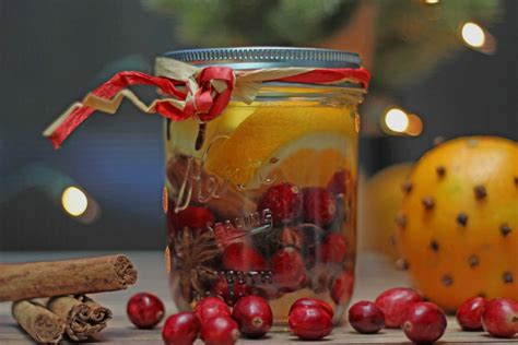 christmas in a jar is a great gift idea for family and friends