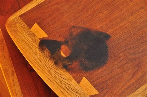 How To Stain Wood Table by Hus Langford