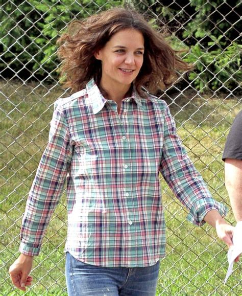 katie holmes revisits her lob katie holmes chops hair into lob curly hair photo us weekly