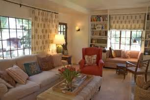 Casual living room motiq online home decorating ideas