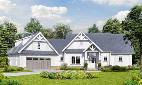 country craftsman house plan  angled garage