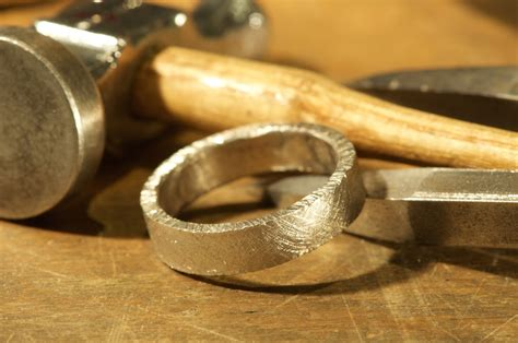 materials new york wedding ring