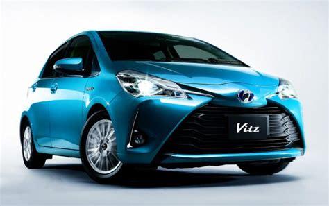 Japanese Used TOYOTA VITZ JEWELA HYBRID 2017 CARS for Sale