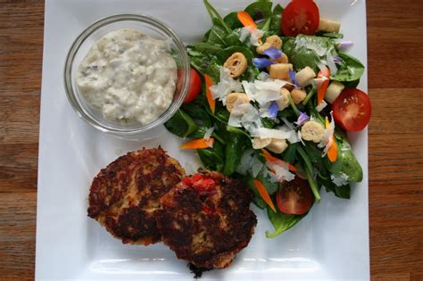 Ina Garten Salad Recipes by Crab Cakes With R 233 Moulade Sauce And Baby Spinach Salad