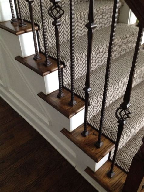 Rug For Steps by 25 Best Ideas About Stair Runners On Carpet