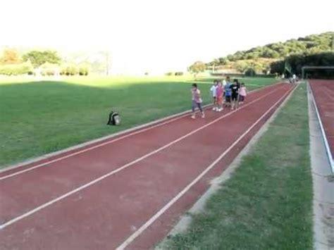 pedana salto in lungo 2011 09 23 i bambini provano il salto in lungo con la