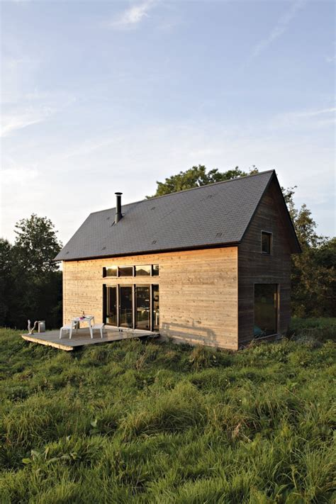 barn style house barn style weekend cabin embraces the simple life modern