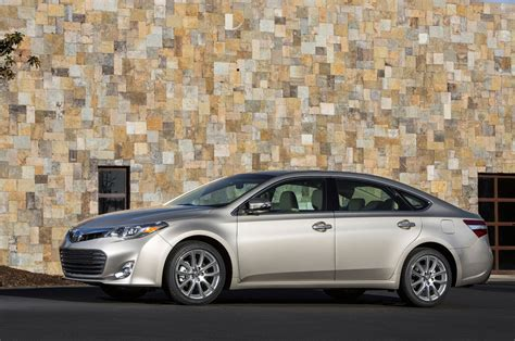 2015 Toyota Avalon Horsepower by 2015 Toyota Avalon Reviews And Rating Motor Trend