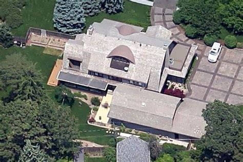 the homes of warren buffett today