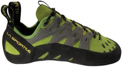 best beginner rock climbing shoe best rock climbing shoes for beginners switchback travel