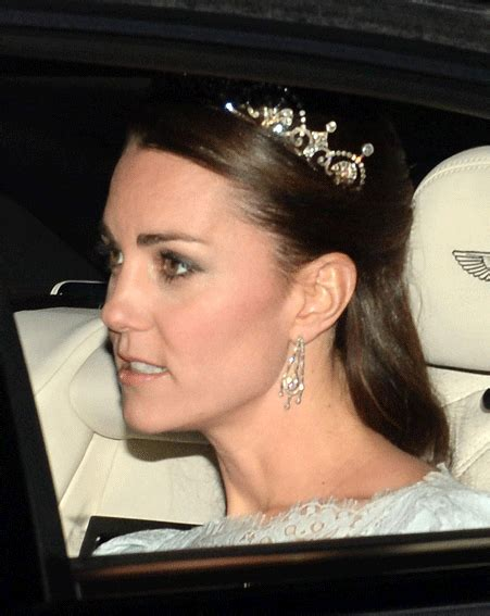 kate middleton stuns in cambridge love knot tiara at diplomatic kate middleton sports royal family heirloom stuns in