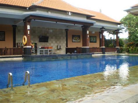 swastika bungalows sanur new pool with swim up bar