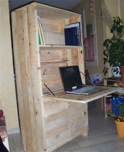 Fold Out Desk Diy Diy Pallet Fold Out Computer Desk 99 Pallets