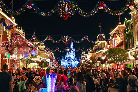 Wdw Christmas Decorations First Time Corner Christmas Day At Wdw Wdw Magazine