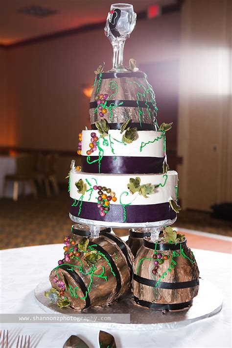 wine theme wedding cake this is adorable bridal stuff in 2019 themed wedding cakes