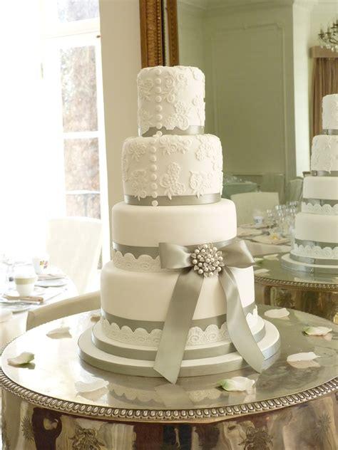 wedding cakes woodland cakes berkshire