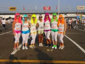 what to wear to color run color run ideas exercise fitness