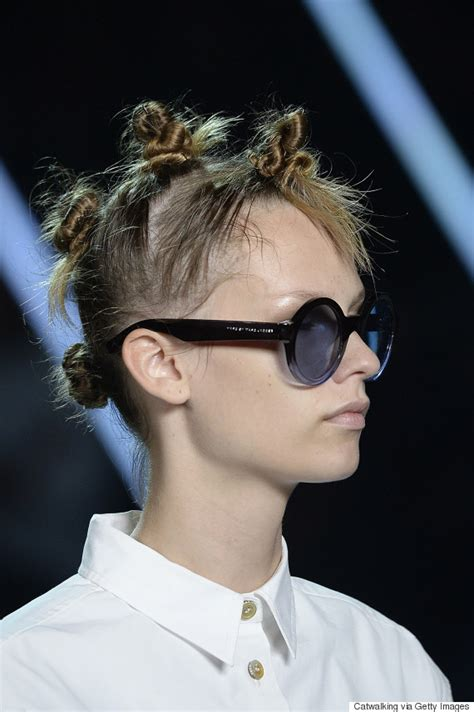 marc jacobs haircuts these are bantu knots not mini buns there s a