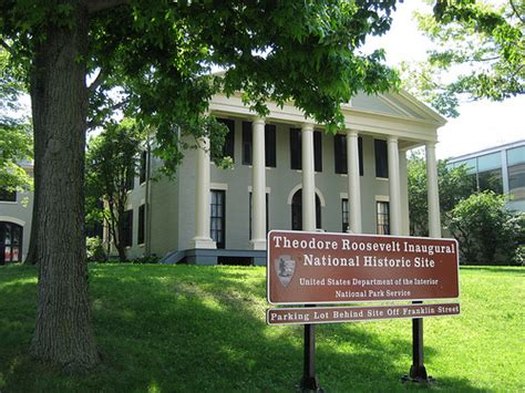 teddy roosevelt house theodore roosevelt inaugural nhs ansley wilcox house buffalo ny gateway sign