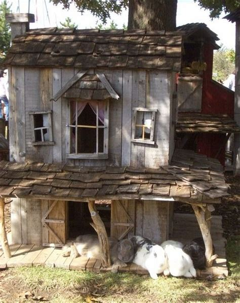 Guinea Pig Shed Ideas by 25 Best Ideas About Rabbit Hutches On Bunny Hutch Outdoor Rabbit Hutch And Diy