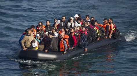 refugee crisis europe boat britain withdraws mediterranean rescue boats despite