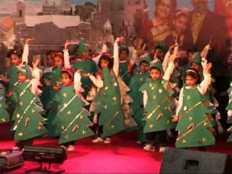 school christmas gift ideas for kids sunday school children perform on the song am the happiest tree