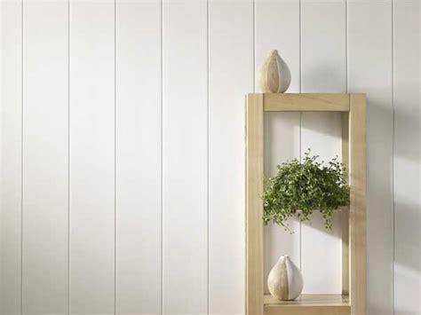 Charmant Salle De Bain Ouverte Dans Chambre #6: lambris-pvc-blanc-mat-aspect-lisse-dans-une-entree.jpg