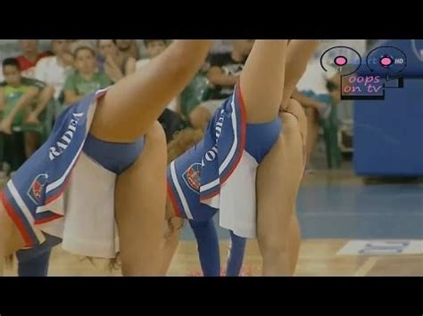 high school cheerleader forgot panties cheerleaders dance watch now 2017 youtube