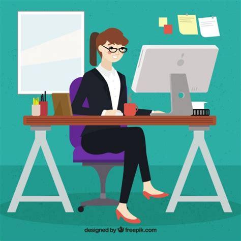 imagenes de jesucristo trabajando mujer trabajando en su ordenador descargar vectores gratis