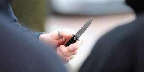 banco di napoli san giuseppe vesuviano ferisce compagno di banco 13enne con un coltello quot chiedo