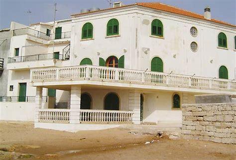 marinella sicilia casa di montalbano i luoghi commissario montalbano in foto siviaggia