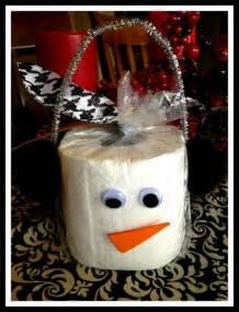 mu 241 eco de nieve con papel higi 233 nico