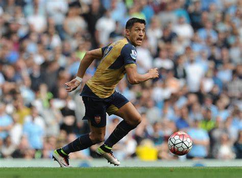 alexis sanchez unsettled arsenal transfer news alexis sanchez eyed by juventus in
