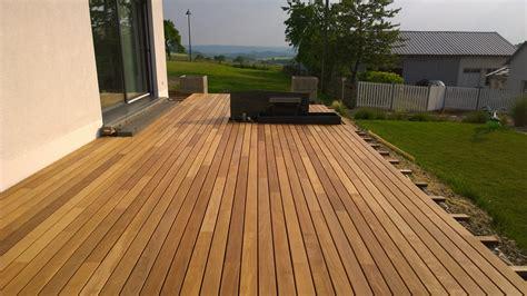 Fensterbank Außen Holz by Terrasse Im Garten Bauen Wohnzimmerz Garten Terrasse