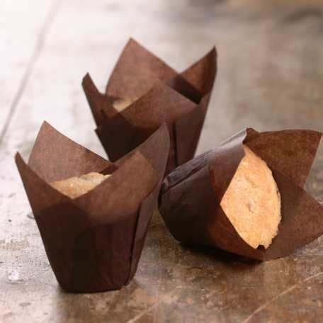 How To Make Cupcake Liners Out Of Parchment Paper - 25 best ideas about cupcake liners on cupcake