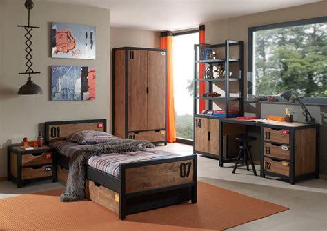 conception chambre chambre enfant contemporaine en pin massif coloris miel