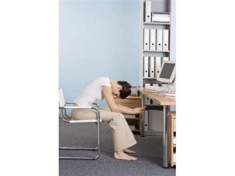 esercizi da scrivania ginnastica da scrivania l allenamento in ufficio