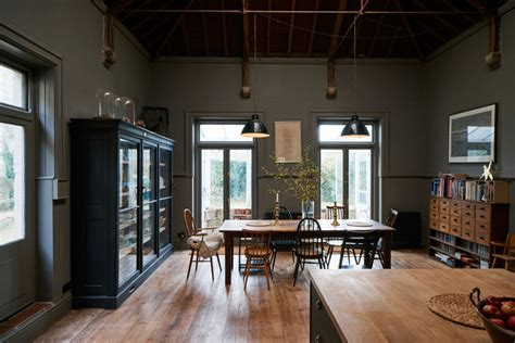 Industrial Kitchen Design by Dit 19e Eeuws Huis Is Een Mix Van Klassiek En Industrieel