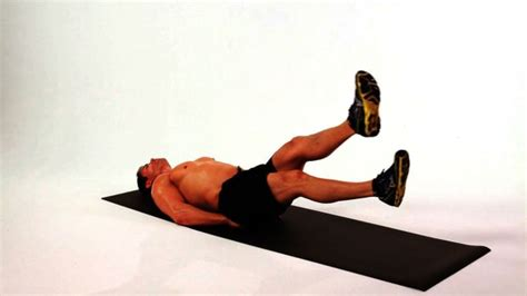 how to do a dumbbell side bend howcast the best how to