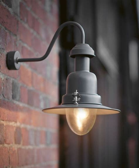 outdoor light bulbs that don t attract bugs best light bulb for outdoor lights outdoor lighting ideas